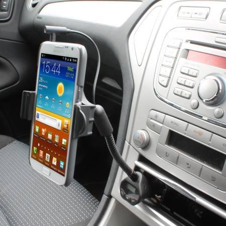 Pusė vairuotojų kalba telefonu važiuodami