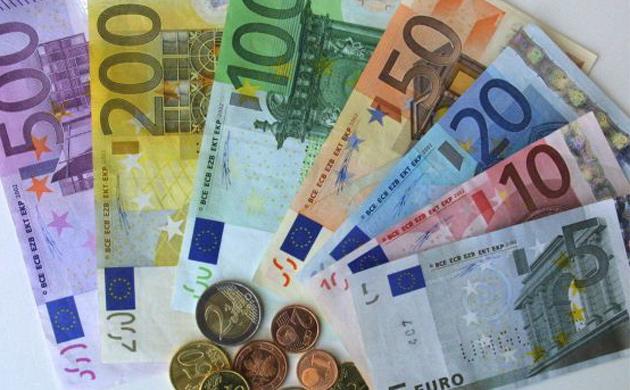 Lietuvoje euro įvedimą palankiai vertina 68 proc. gyventojų