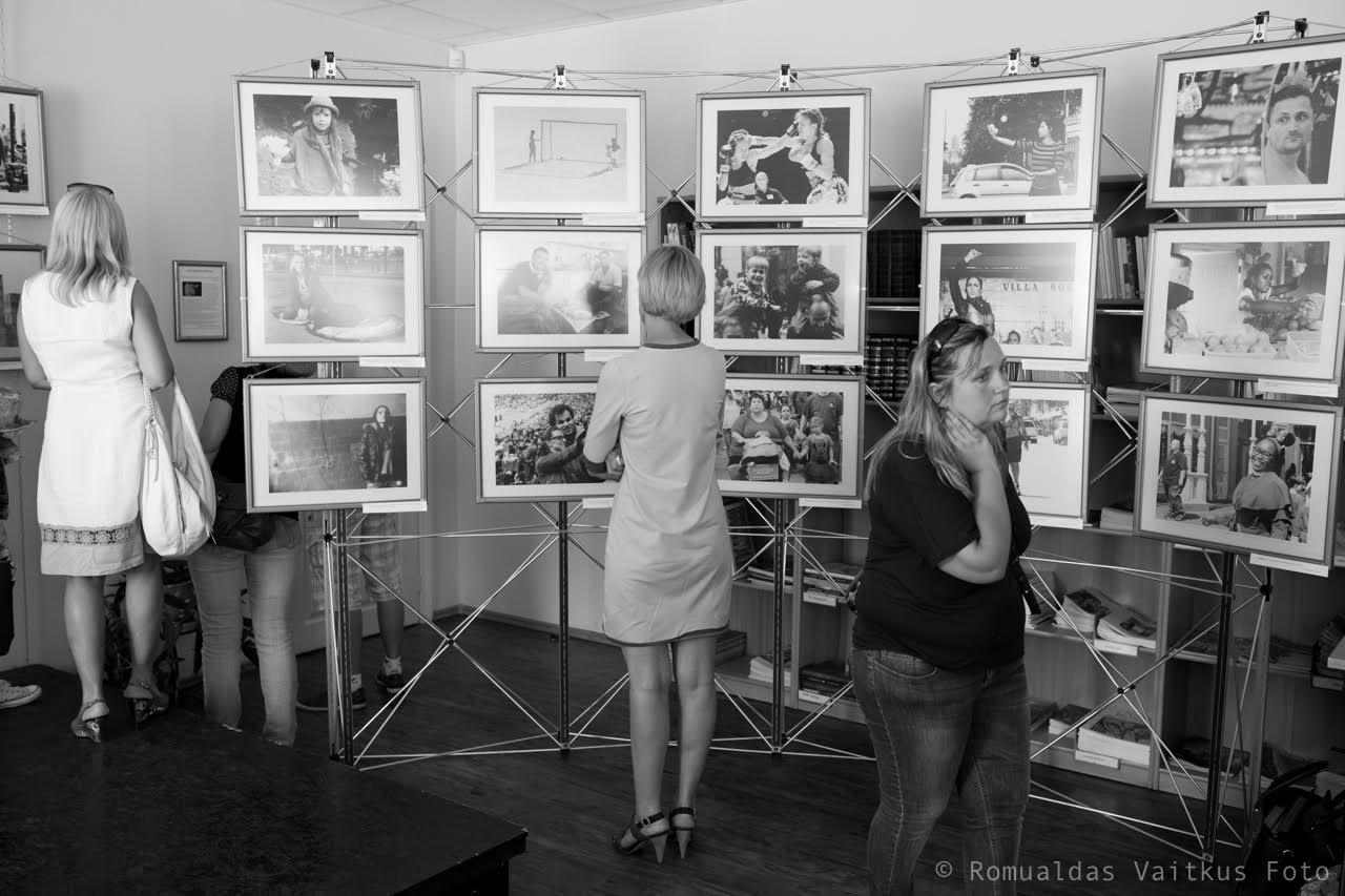 Bibliotekoje atidaryta Karolinės Stažytės fotografijų paroda (nuotraukos)