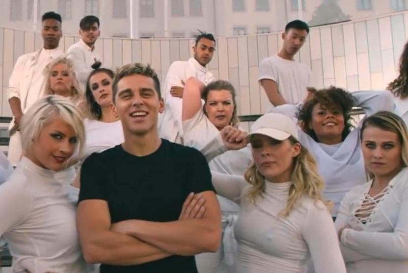 """Donatas Montvydas pristato savo naujosios dainos """"Fly"""" vaizdo klipą (video)"""
