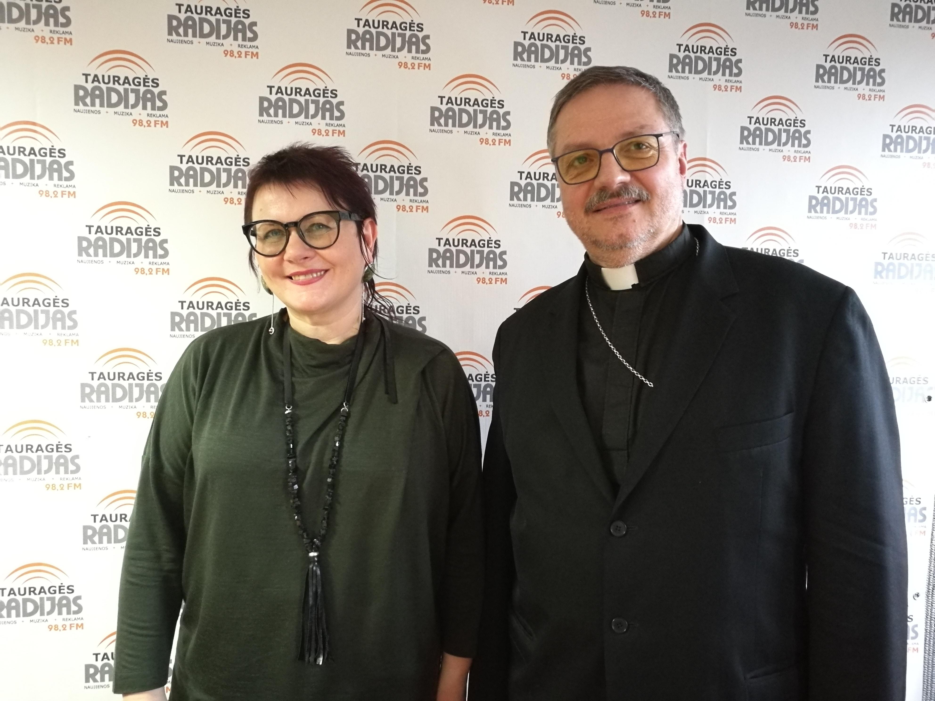 Pokalbis su Ziono lietuvių liuteronų parapijos kunigu dr. Valdu Aušra