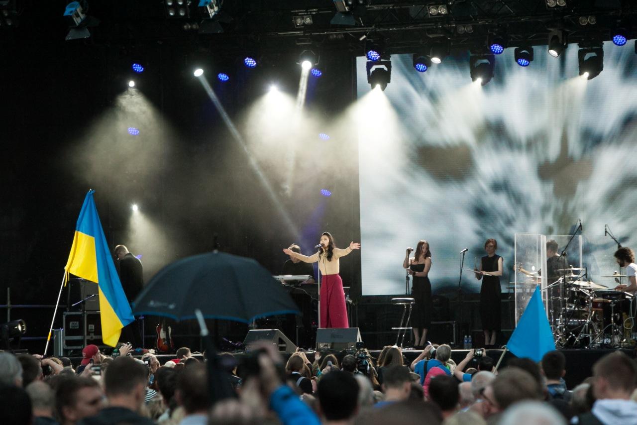 """Į Lietuvą atvykstanti """"Eurovizijos"""" laimėtoja Jamala pasidalino prisiminimais (video)"""
