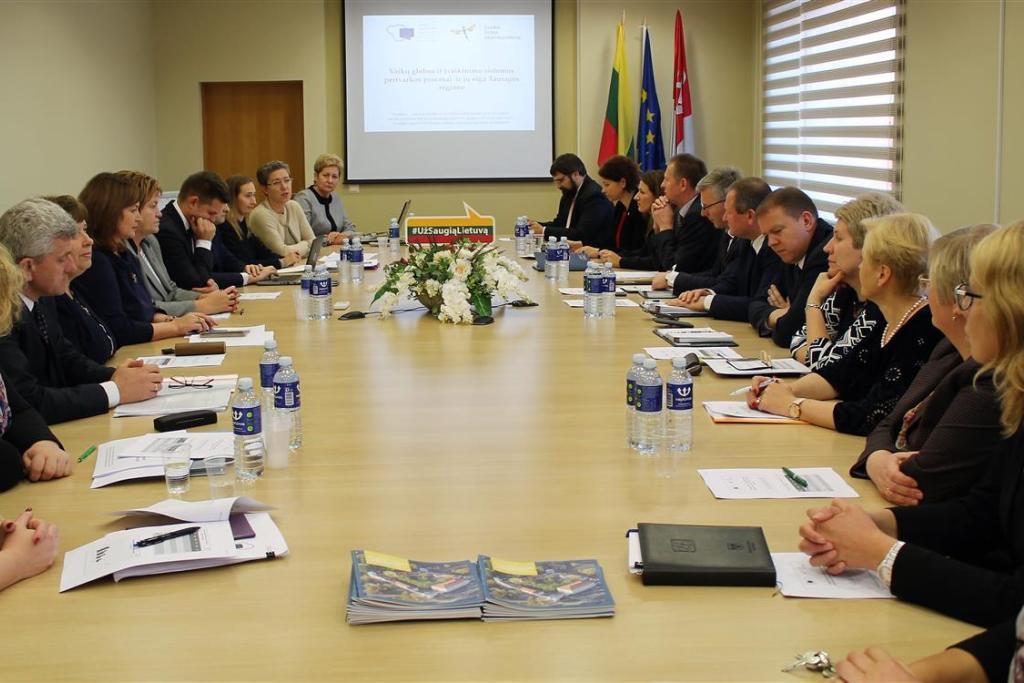 """Prezidentės inicijuotos nacionalinės socialinio saugumo kampanijos """"Už saugią Lietuvą"""" susitikimas Tauragėje"""