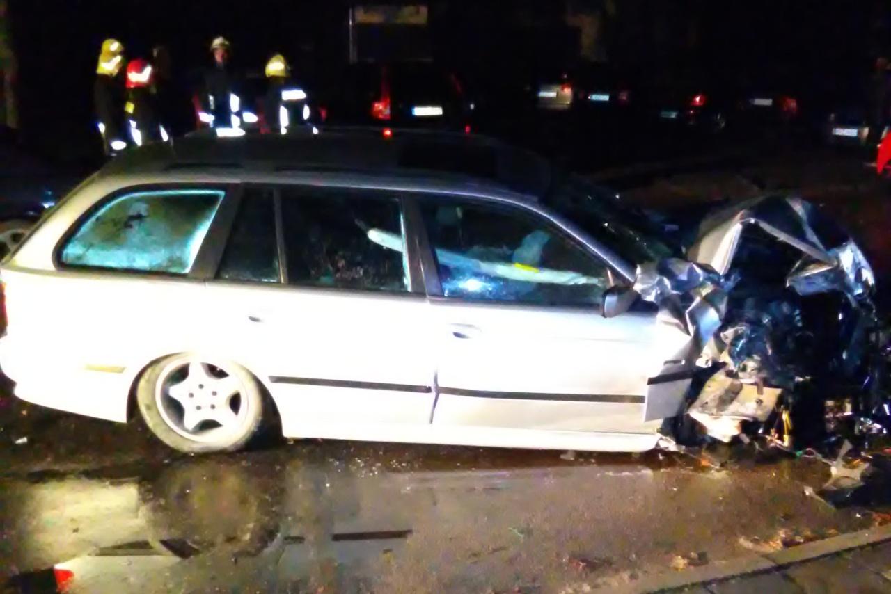 """Automobilio """"BMW 528"""" vairuotojas neišvengė akistatos su policijos pareigūnais"""
