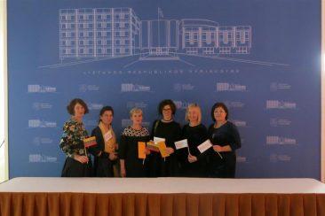 """""""Šimtmečio dovanos"""" padėkos renginyje pagerbti projekto savanoriai"""