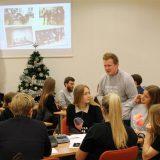 """Pirmosios """"Creativity Lab"""" verslumo akademijos laidos dalyviams įteikti diplomai"""