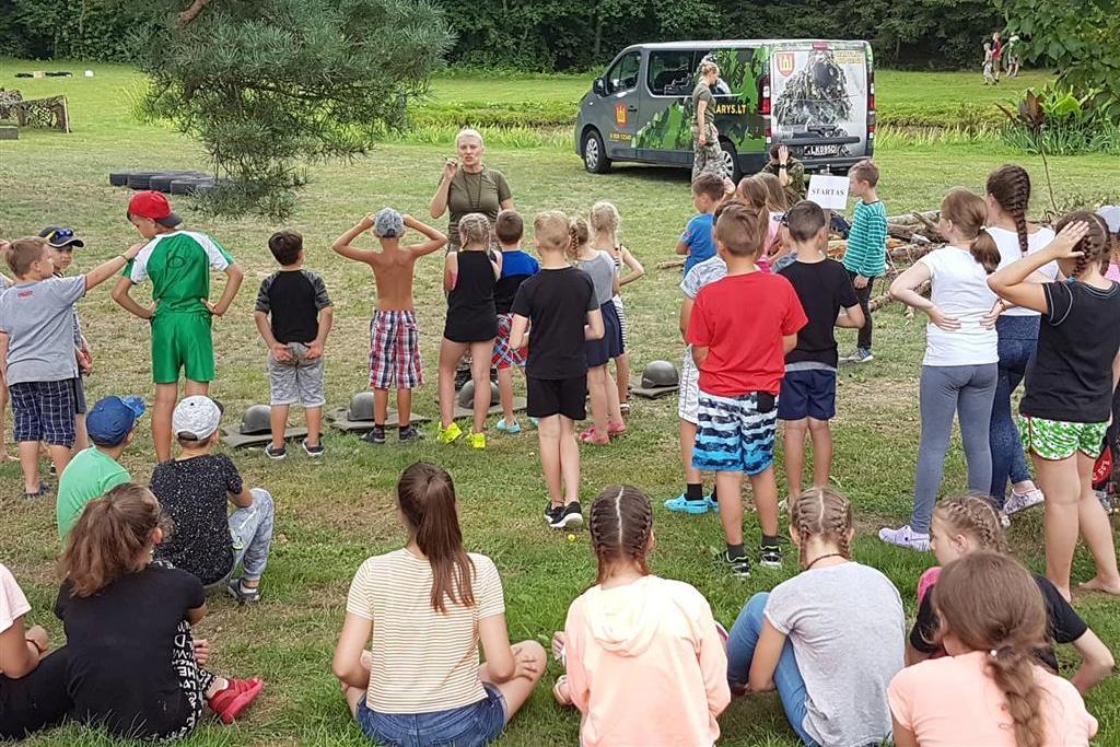 Krikščioniškoje jaunimo vasaros stovykloje – ir lietuvių emigrantų vaikai