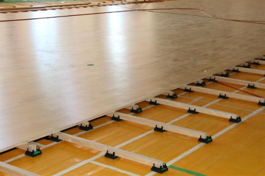 """Startavo """"Bastilijos"""" sporto komplekso salės grindų remonto darbai"""