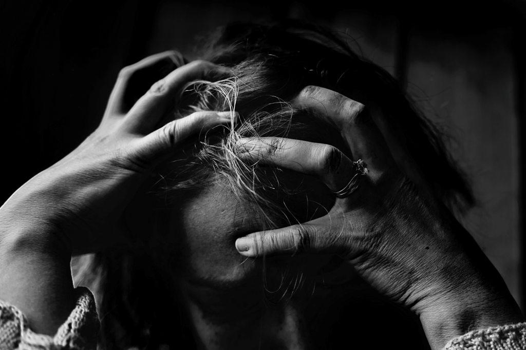 Įspėjamieji savižudybės ženklai gali būti pastebėti ir socialiniuose tinkluose