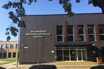 Apleista karinė teritorija Tauragėje atgimsta jaukiais Bendruomenės namais